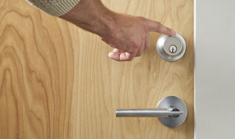 level-touch-smart-lock-in-disguise-